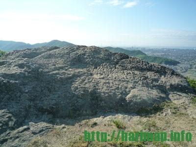 檀特山の岩