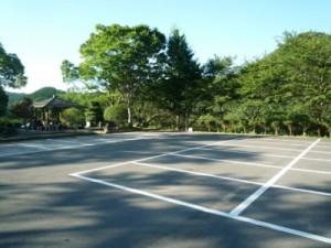 笹ヶ丘公園のすべり台ビッグスライダー駐車場