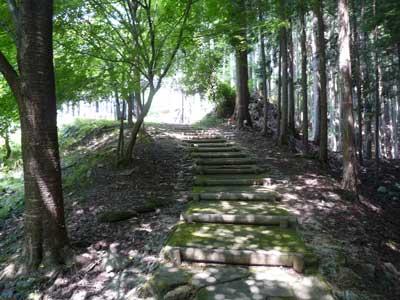 波賀城史跡公園門振り返ったところ