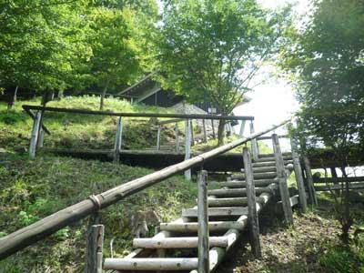 波賀城史跡公園最後の木組みの階段